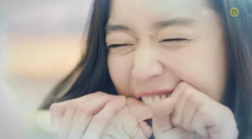 Huyền thoại biển xanh tập 5: Jun Ji Hyun cắn tình địch, gặp tai nạn lúc hẹn hò - Ảnh 7