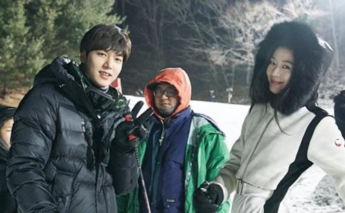 """Tiết lộ thu nhập đáng kinh ngạc của """"tiên cá"""" Jun Ji Hyun trong năm 2016 - Ảnh 2"""