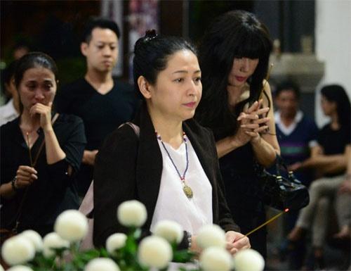 Hoàng Yến Chibi, Nam Cường bật khóc nức nở trước linh cữu NSƯT Quang Lý - Ảnh 5