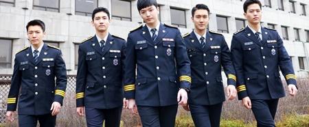 8 idol sẽ trở lại từ quân ngũ vào năm 2017, bạn mong chờ ai nhất? - Ảnh 8