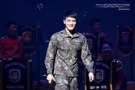 8 idol sẽ trở lại từ quân ngũ vào năm 2017, bạn mong chờ ai nhất? - Ảnh 2