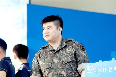 8 idol sẽ trở lại từ quân ngũ vào năm 2017, bạn mong chờ ai nhất? - Ảnh 1