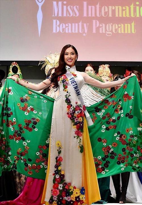 """Người đẹp Việt tại đấu trường quốc tế 2016: Người đăng quang, kẻ """"tay trắng"""" - Ảnh 3"""