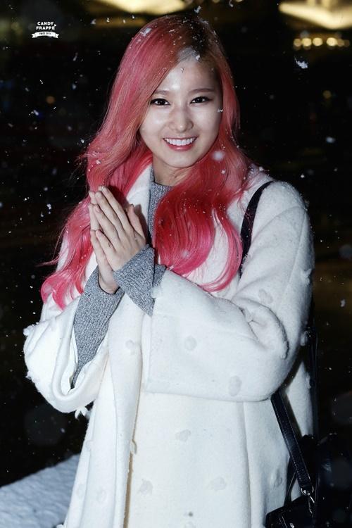 Loạt ảnh cho thấy Sana (TWICE) là idol có thời trang mùa đông chuẩn nhất Kpop - Ảnh 10