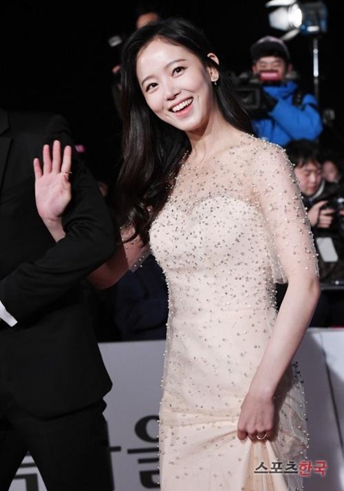 Top 10 nữ diễn viên gợi cảm nhất xứ Hàn trong mắt phái nam - Ảnh 11