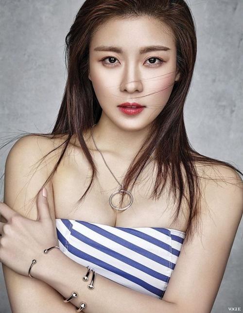 Top 10 nữ diễn viên gợi cảm nhất xứ Hàn trong mắt phái nam - Ảnh 9