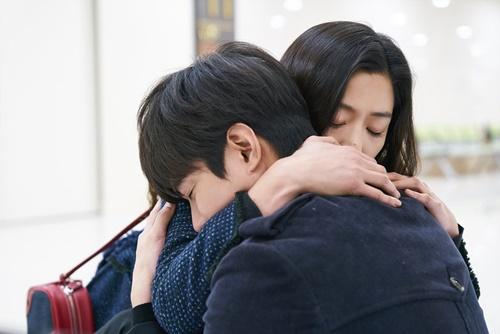 Huyền thoại biển xanh tập 18: Jun Ji Hyun đỡ đạn thay Lee Min Ho - Ảnh 3