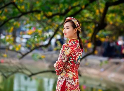 Sao Việt ngày 30 Tết: Hà Hồ, Diễm Hương vẫn tất bật đi từ thiện - Ảnh 10