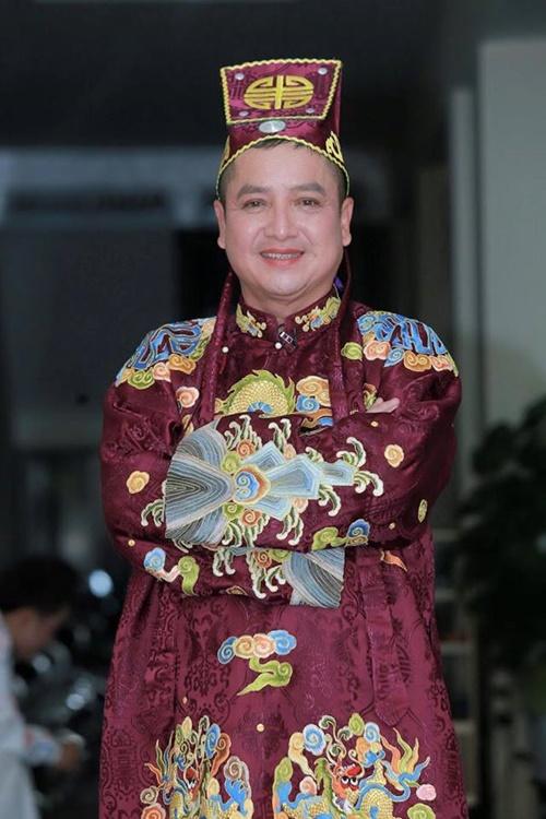 Sao Việt ngày 30 Tết: Hà Hồ, Diễm Hương vẫn tất bật đi từ thiện - Ảnh 7