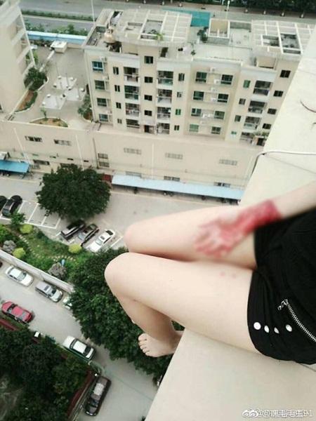 Phát hoảng với những lần fan cuồng dọa giết, tự tử để ngăn cản thần tượng hẹn hò - Ảnh 2