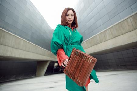 """Ninh Dương Lan Ngọc """"chơi màu"""" ấn tượng tại Seoul Fashion Week - Ảnh 2"""