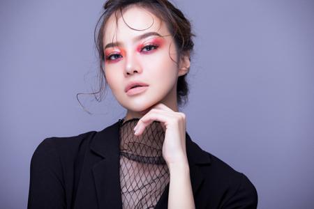 Hoa hậu Kiều Ngân biến hoá chóng mặt với kiểu make up Gothic - Ảnh 3