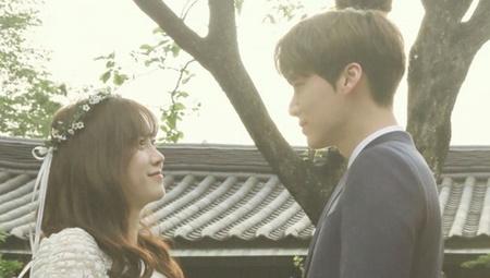 Những cặp sao Hàn kết hôn rồi còn hot hơn cả khi độc thân - Ảnh 1
