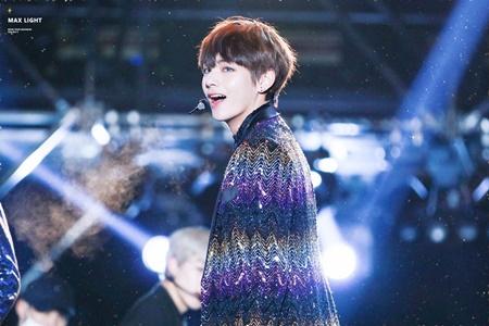 """7 khoảnh khắc huyền thoại của idol Kpop làm nên """"lịch sử"""" - Ảnh 2"""
