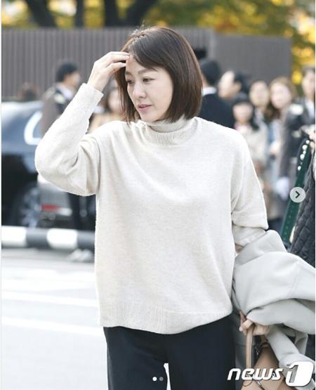 """Đám cưới Song Hye Kyo - Song Joong Ki: Cô dâu chú rể ngọt ngào """"khóa môi"""" - Ảnh 21"""