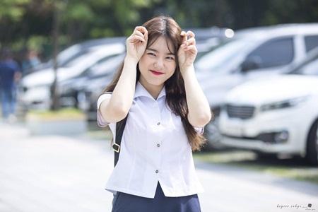 Những thói quen đáng yêu của idol Kpop với chính gương mặt mình - Ảnh 19
