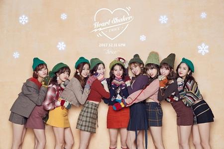Top 10 nghệ sĩ được yêu mến nhất xứ Hàn 2017 - Ảnh 9