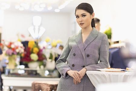 """Thùy Dung """"chuẩn men"""" bên dàn người đẹp Hoa hậu Việt Nam - Ảnh 2"""