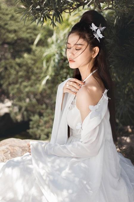 Nhan sắc xinh đẹp gợi cảm của Trương Quỳnh Anh khiến ai cũng phải xao lòng - Ảnh 3