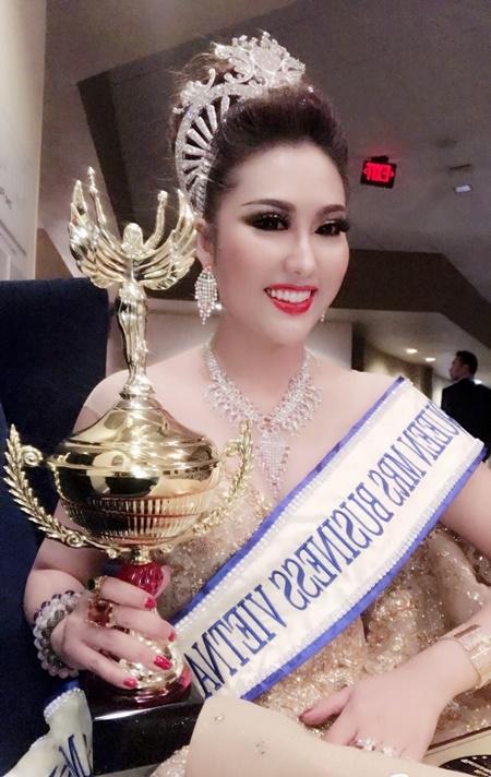 Phi Thanh Vân giải thích về màn diễn thuyết khi thi Hoa hậu - Ảnh 2