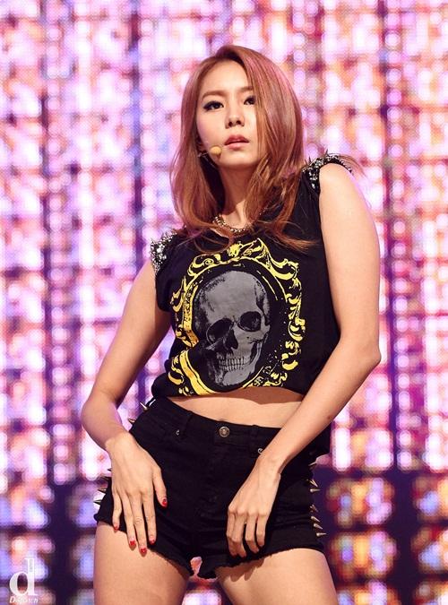 Nhan sắc biến đổi đến ngỡ ngàng của nữ idol Kpop sau khi giảm cân - Ảnh 10