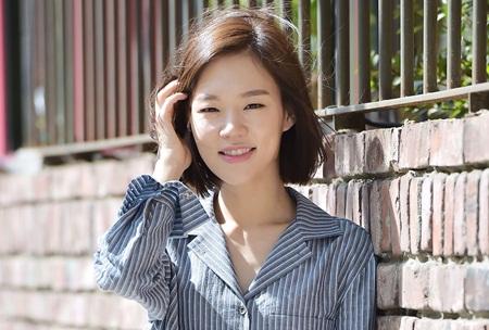 Những người đẹp trở thành chuẩn mực nhan sắc mới xứ Hàn - Ảnh 3