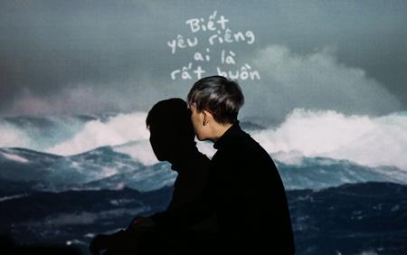 """""""Điều buồn nhất"""" của Kai Đinh làm tan chảy những trái tim cô đơn - Ảnh 1"""