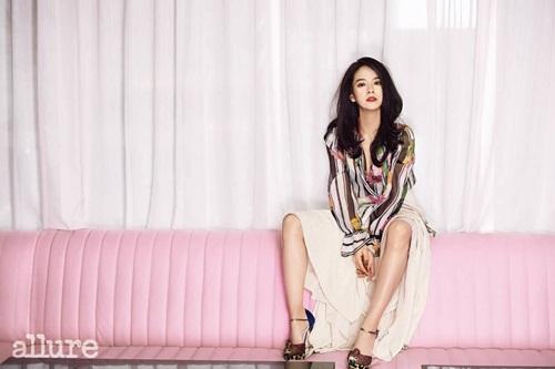 Song Ji Hyo khoe nhan sắc quyến rũ, tiết lộ khó khăn nghề diễn - Ảnh 2
