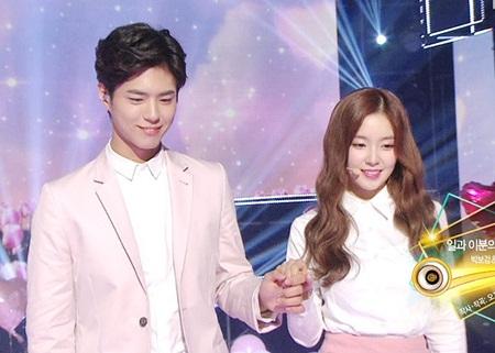 Xao xuyến vì khác biệt đáng yêu giữa bàn tay nam và nữ idol Kpop - Ảnh 3