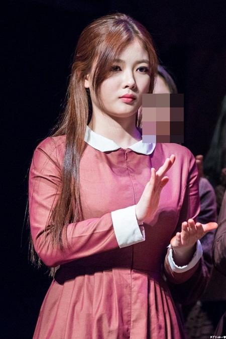 """Kim Yoo Jung xinh đẹp """"nghẹt thở"""" khi diễn kịch ở trường - Ảnh 5"""