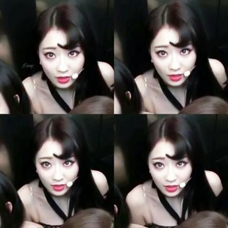 """Đâu chỉ nam idol, những cô nàng này cũng vô cùng ngầu với """"tóc dấu phẩy"""" - Ảnh 7"""