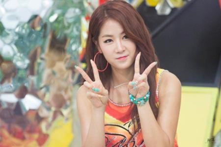 Bất ngờ trước công việc mà idol Kpop phải làm để mưu sinh trước khi nổi tiếng - Ảnh 7