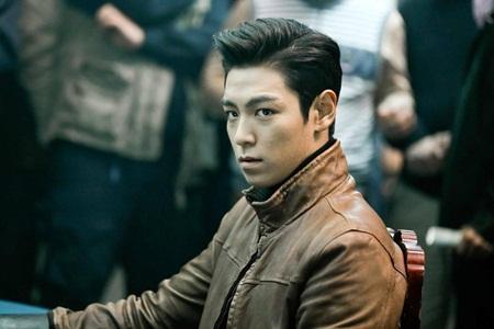 8 idol Kpop với nhan sắc thay đổi bất ngờ chỉ vì để tóc mái - Ảnh 9