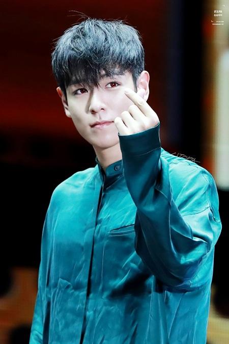 8 idol Kpop với nhan sắc thay đổi bất ngờ chỉ vì để tóc mái - Ảnh 10