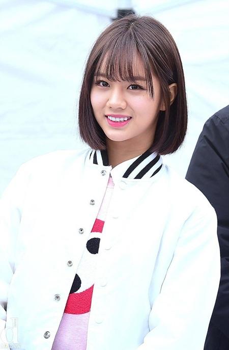 8 idol Kpop với nhan sắc thay đổi bất ngờ chỉ vì để tóc mái - Ảnh 4