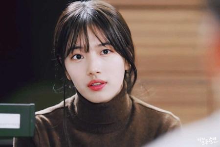 8 idol Kpop với nhan sắc thay đổi bất ngờ chỉ vì để tóc mái - Ảnh 8