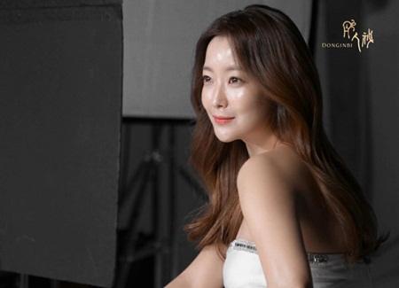 Những nhan sắc xứ Hàn ngoài 30 vẫn trẻ trung không thể tin nổi - Ảnh 15