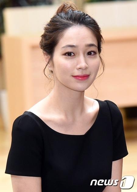 Những nhan sắc xứ Hàn ngoài 30 vẫn trẻ trung không thể tin nổi - Ảnh 21