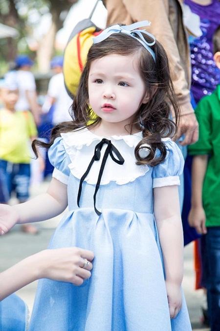 Con gái Elly Trần xinh như thiên thần khi diện đầm công chúa - Ảnh 10