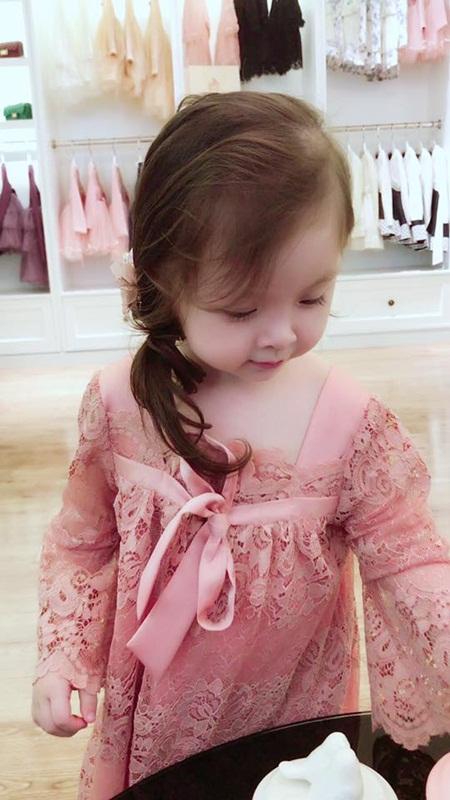 Con gái Elly Trần xinh như thiên thần khi diện đầm công chúa - Ảnh 5
