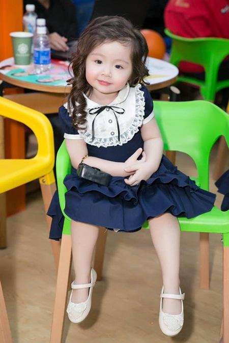 Con gái Elly Trần xinh như thiên thần khi diện đầm công chúa - Ảnh 7