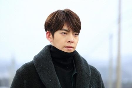 Kim Woo Bin mắc bệnh ung thư vòm họng - Ảnh 1
