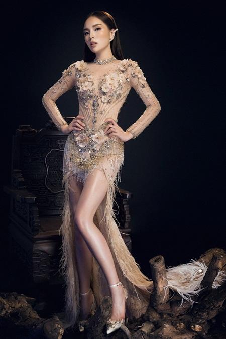 Hoa hậu Kỳ Duyên diện đầm trong suốt khác lạ khó nhận ra - Ảnh 1