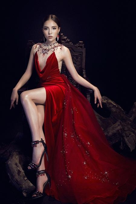 Hoa hậu Kỳ Duyên diện đầm trong suốt khác lạ khó nhận ra - Ảnh 3