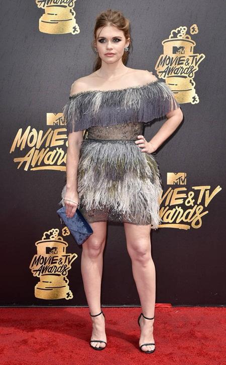 Cara Delevingne tự tin với đầu trọc, Emma Watson tỏa sáng trên thảm đỏ MTV Movie & TV Awards 2017 - Ảnh 7