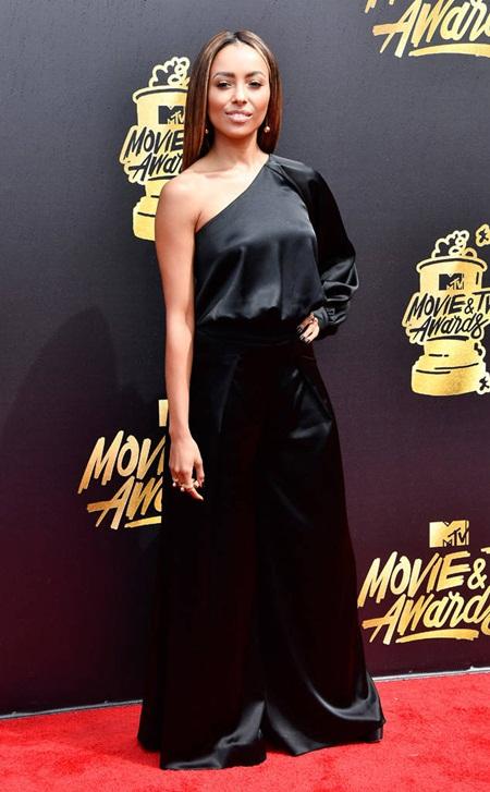 Cara Delevingne tự tin với đầu trọc, Emma Watson tỏa sáng trên thảm đỏ MTV Movie & TV Awards 2017 - Ảnh 8