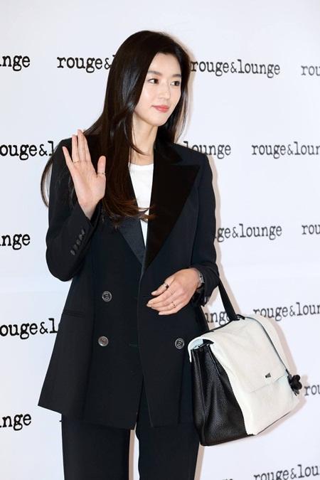 """""""Mợ chảnh"""" Jun Ji Hyun xác nhận mang thai con thứ 2 - Ảnh 1"""