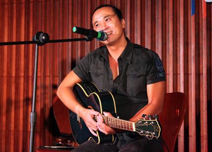 Nhạc sĩ Lê Minh Sơn: Viết nhạc dễ nhưng để nó sống lâu dài rất khó - Ảnh 1
