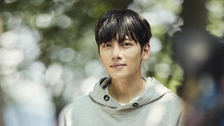 Eunhyuk (Super Junior) bật khóc khi xuất ngũ, Ji Chang Wook xác nhận ngày đi lính - Ảnh 3