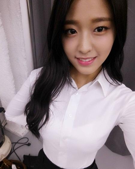 """Những hình ảnh lý giải vì sao Seolhyun trở thành """"người trong mộng"""" của fan nam Kpop? - Ảnh 2"""